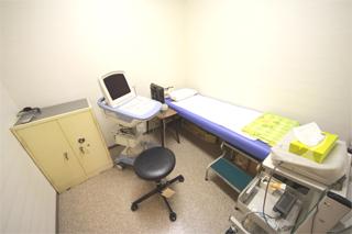 腹部超音波検査室
